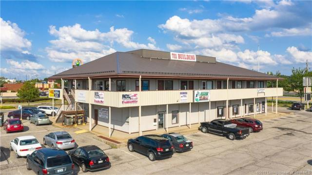711 E Lewis And Clark Parkway, Clarksville, IN 47129 (#201909751) :: The Stiller Group