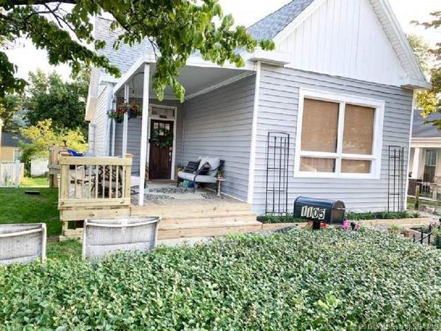1105 W Main Street, Madison, IN 47250 (MLS #2020010236) :: The Paxton Group at Keller Williams Realty Consultants