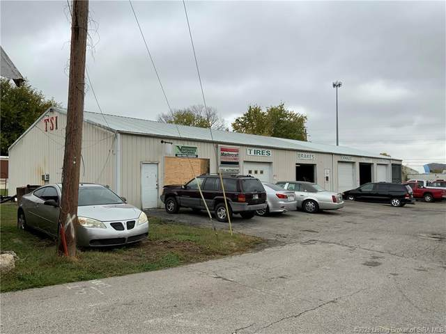 418 N Sugar Street, Brownstown, IN 47220 (MLS #2020011643) :: The Paxton Group at Keller Williams Realty Consultants