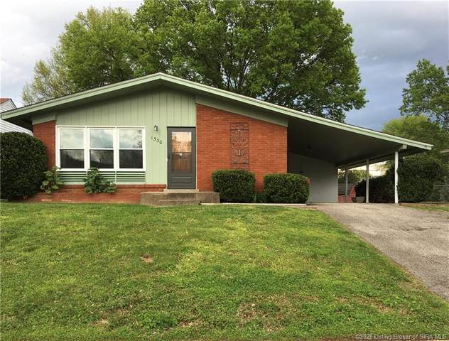 1530 Briarwood Drive, Clarksville, IN 47129 (#202007565) :: The Stiller Group
