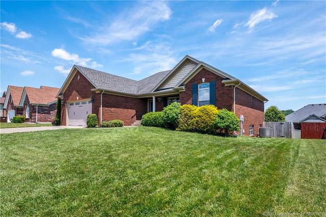 1006 Woodwinds Court, Georgetown, IN 47122 (#202008256) :: The Stiller Group