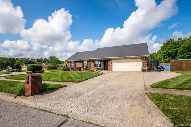6623 Dovir Woods Drive, Sellersburg, IN 47172 (MLS #202008885) :: The Paxton Group at Keller Williams Realty Consultants