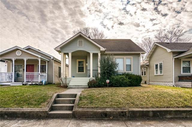 1020 E Maple Street, Jeffersonville, IN 47130 (MLS #202105286) :: The Paxton Group at Keller Williams Realty Consultants