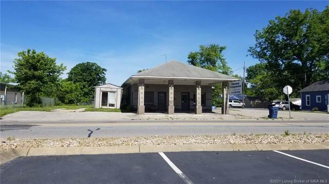 325 N Indiana Avenue, Sellersburg, IN 47172 (MLS #202105473) :: The Paxton Group at Keller Williams Realty Consultants