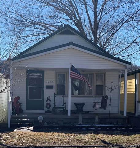 1053 W Main Street, Madison, IN 47250 (MLS #202106043) :: The Paxton Group at Keller Williams Realty Consultants