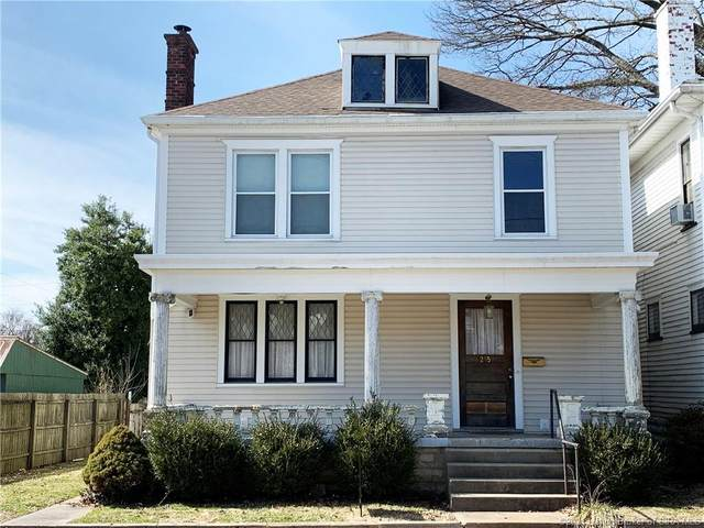215 E 9th Street, New Albany, IN 47150 (MLS #202106198) :: The Paxton Group at Keller Williams Realty Consultants