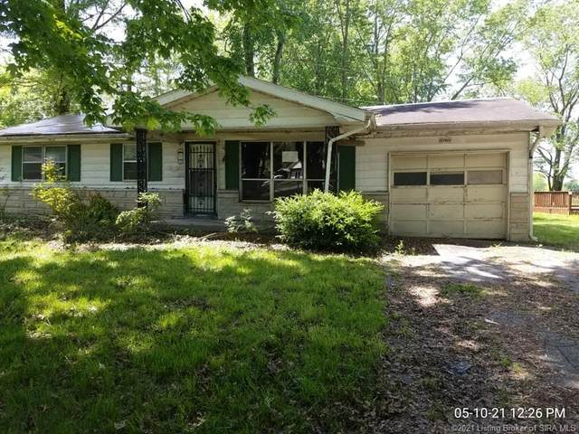 1307 W Tibbs Street, Austin, IN 47102 (MLS #202107936) :: The Paxton Group at Keller Williams Realty Consultants