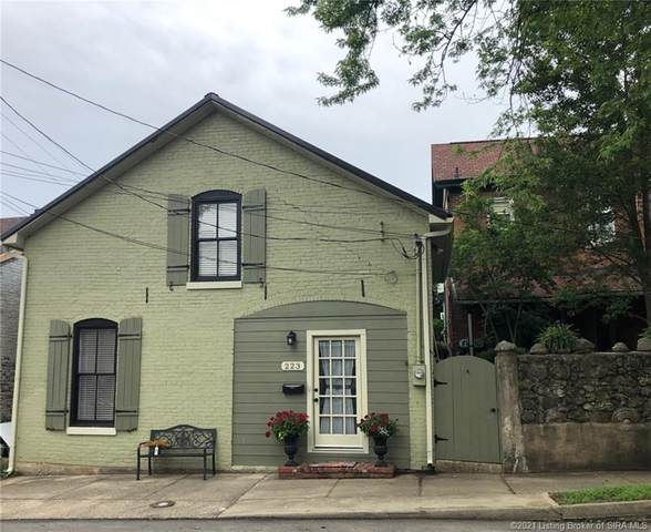 223 Walnut Street, Madison, IN 47250 (MLS #202108350) :: The Paxton Group at Keller Williams Realty Consultants
