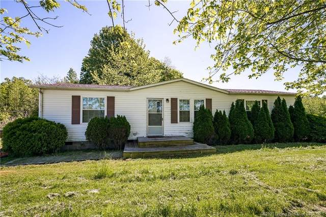 7608 E Tank Pond Road, Nabb, IN 47147 (MLS #202108360) :: The Paxton Group at Keller Williams Realty Consultants