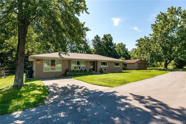206 S Bohannon Lane, New Albany, IN 47150 (MLS #202108593) :: The Paxton Group at Keller Williams Realty Consultants