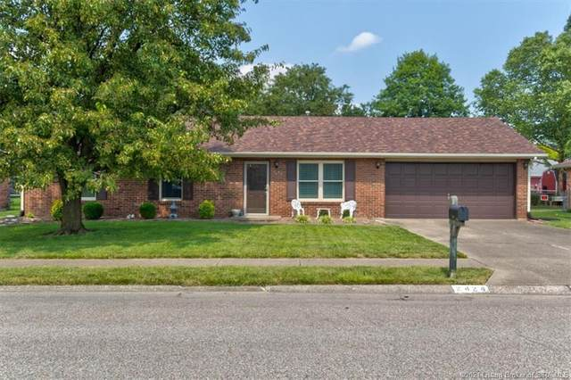 2424 Oak Leaf Lane, Clarksville, IN 47129 (MLS #202109548) :: The Paxton Group at Keller Williams Realty Consultants