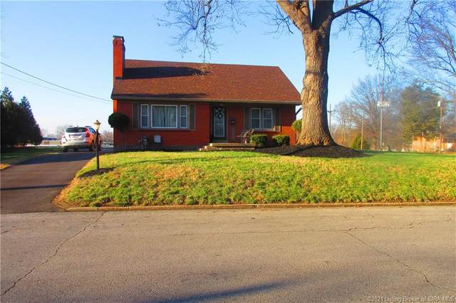 418 E Charlestown Avenue, Jeffersonville, IN 47130 (MLS #202105057) :: The Paxton Group at Keller Williams Realty Consultants