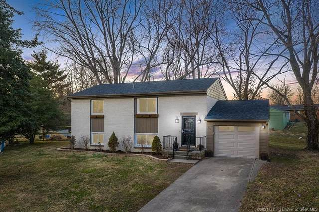 211 Lawn Court, New Albany, IN 47150 (MLS #202106190) :: The Paxton Group at Keller Williams Realty Consultants