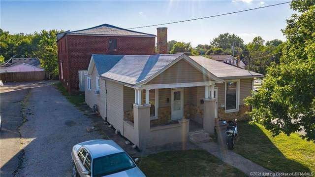 1119 Vincennes Street, New Albany, IN 47150 (MLS #202106828) :: The Paxton Group at Keller Williams Realty Consultants