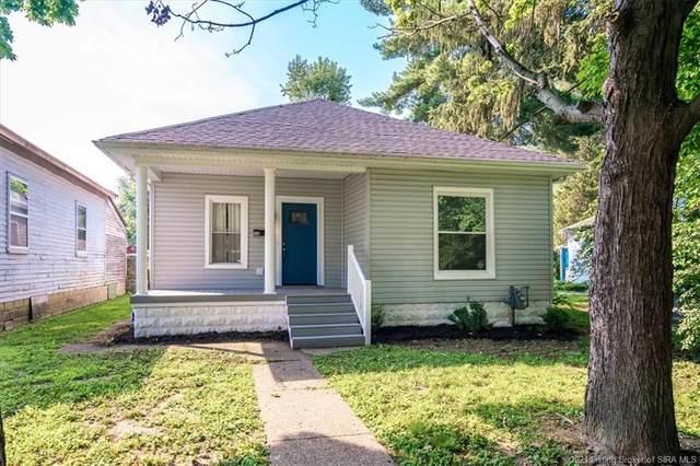 930 E Court Avenue, Jeffersonville, IN 47130 (#202109362) :: The Stiller Group