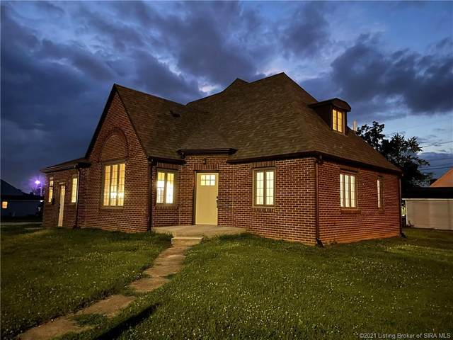 712 W Cherry Street, Scottsburg, IN 47170 (#202109506) :: Impact Homes Group