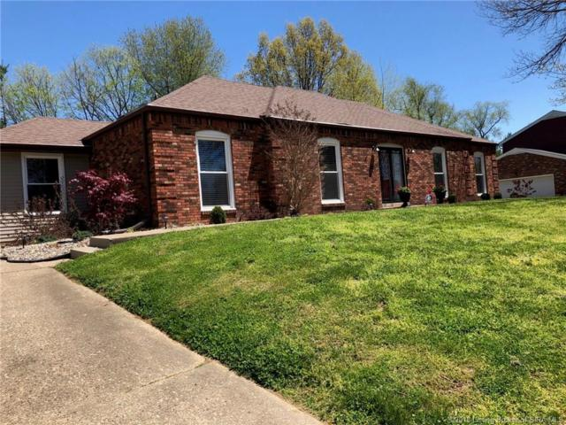 217 Pawnee Drive, Jeffersonville, IN 47130 (MLS #201808446) :: The Paxton Group at Keller Williams