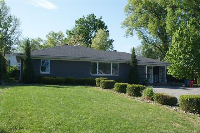 124 W Lewis And Clark Parkway, Clarksville, IN 47129 (MLS #202107318) :: The Paxton Group at Keller Williams Realty Consultants