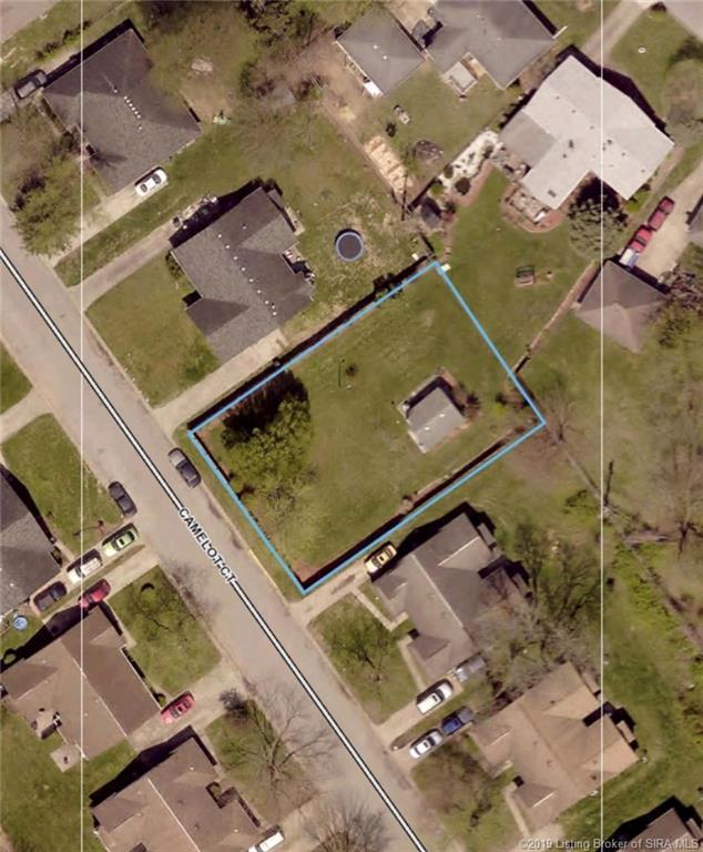 Camelot Court, Jeffersonville, IN 47130 (#2018013621) :: The Stiller Group