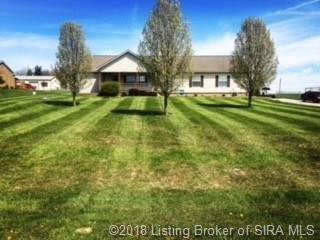 6008 Rising Fawn Court, Georgetown, IN 47122 (MLS #201808693) :: The Paxton Group at Keller Williams