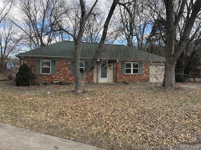 213 Lawn Court, New Albany, IN 47150 (MLS #201905816) :: The Paxton Group at Keller Williams