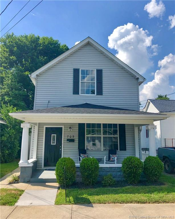 709 E 9th Street E, Jeffersonville, IN 47130 (MLS #201909000) :: The Paxton Group at Keller Williams Realty Consultants