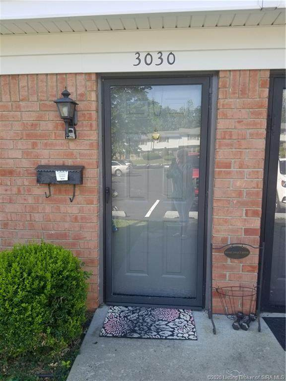 3030 Wooded Way, Jeffersonville, IN 47130 (MLS #202008903) :: The Paxton Group at Keller Williams Realty Consultants