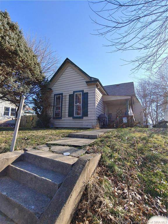 212 S Clark Boulevard, Clarksville, IN 47129 (#202107021) :: The Stiller Group