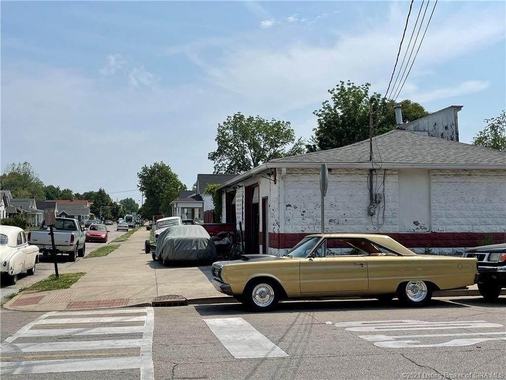 1302 Oak Street - Photo 1