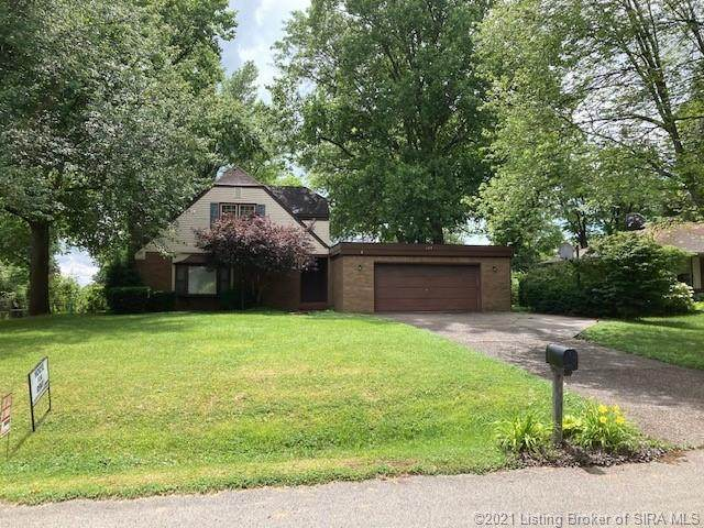 109 Clearview Drive, Jeffersonville, IN 47130 (MLS #202108870) :: The Paxton Group at Keller Williams Realty Consultants