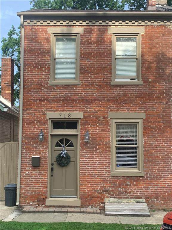 713 N Walnut Street, Madison, IN 47250 (MLS #202109260) :: The Paxton Group at Keller Williams Realty Consultants