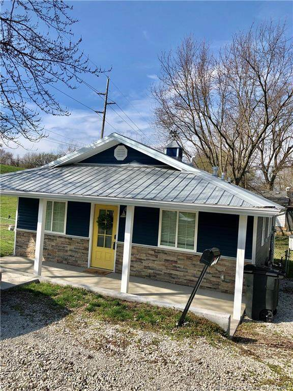 227 W Montgomery Avenue, Clarksville, IN 47129 (#202006831) :: The Stiller Group