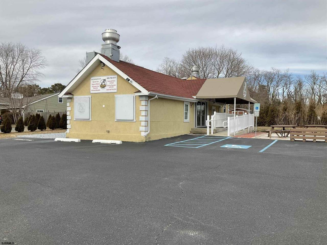 6572 Mill Rd - Photo 1