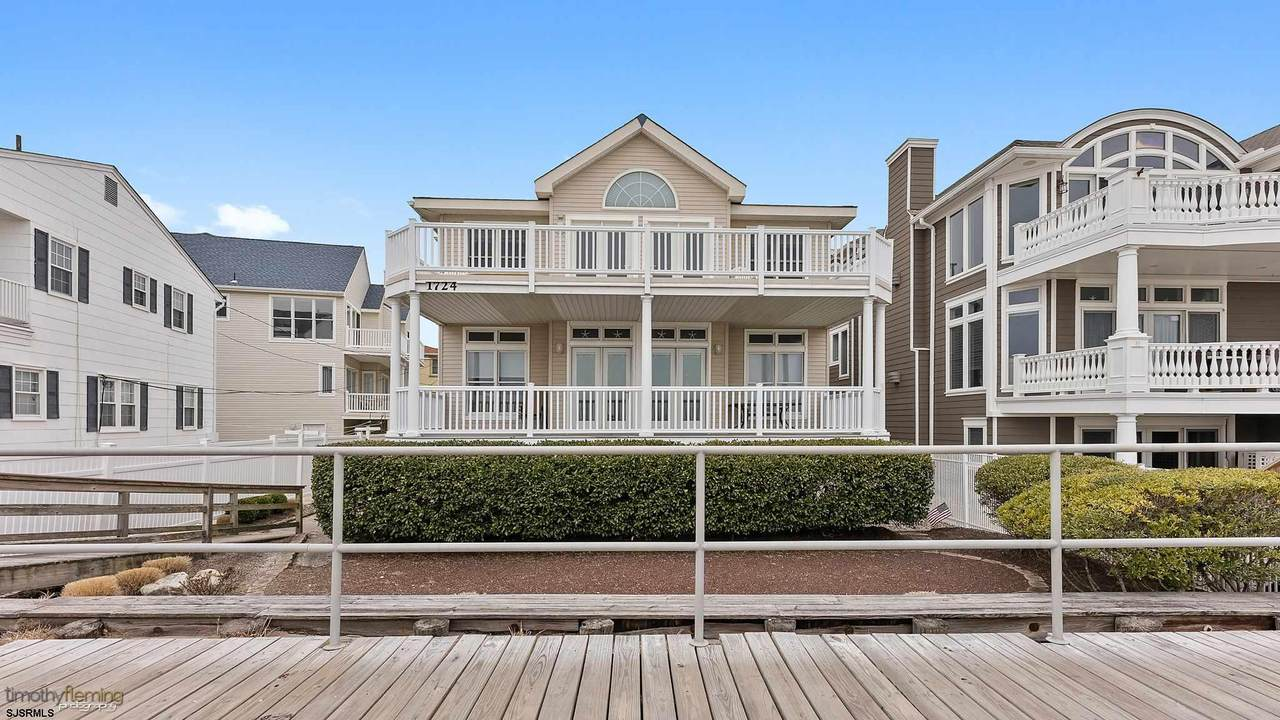1724 Boardwalk - Photo 1