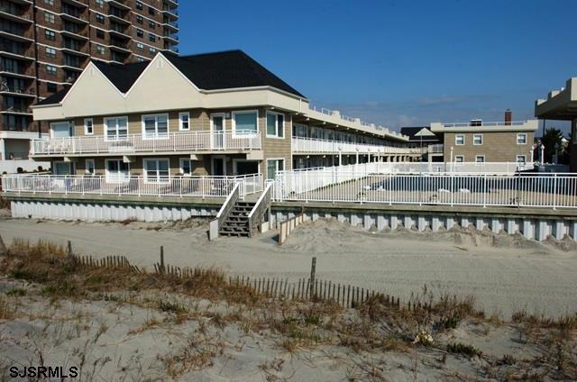 9010 Atlantic #203, Margate, NJ 08402 (MLS #500967) :: The Ferzoco Group