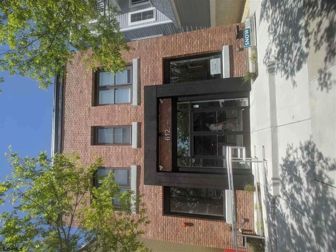 612 Asbury Avenue - Photo 1