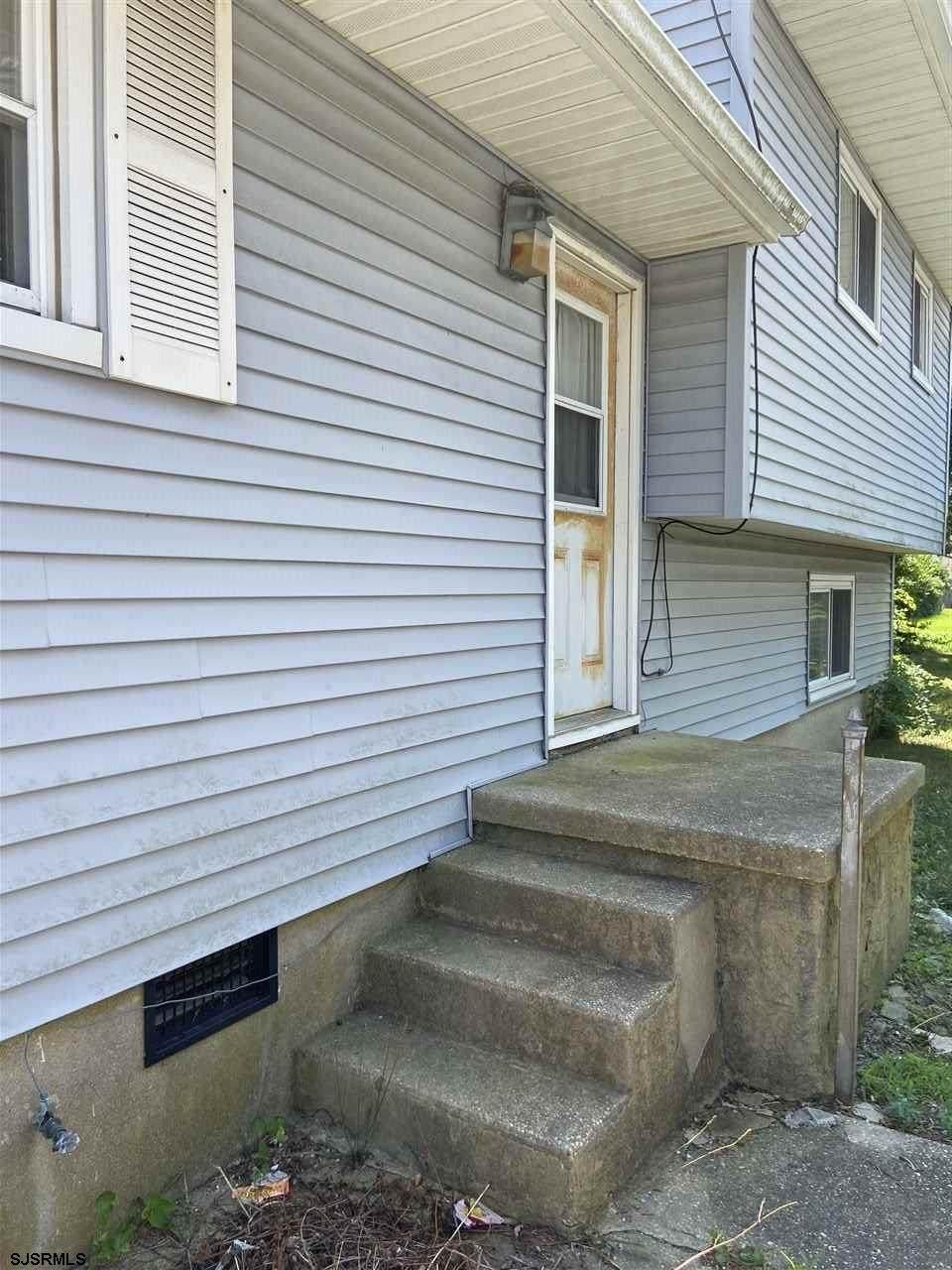 812 Indiana Ave - Photo 1