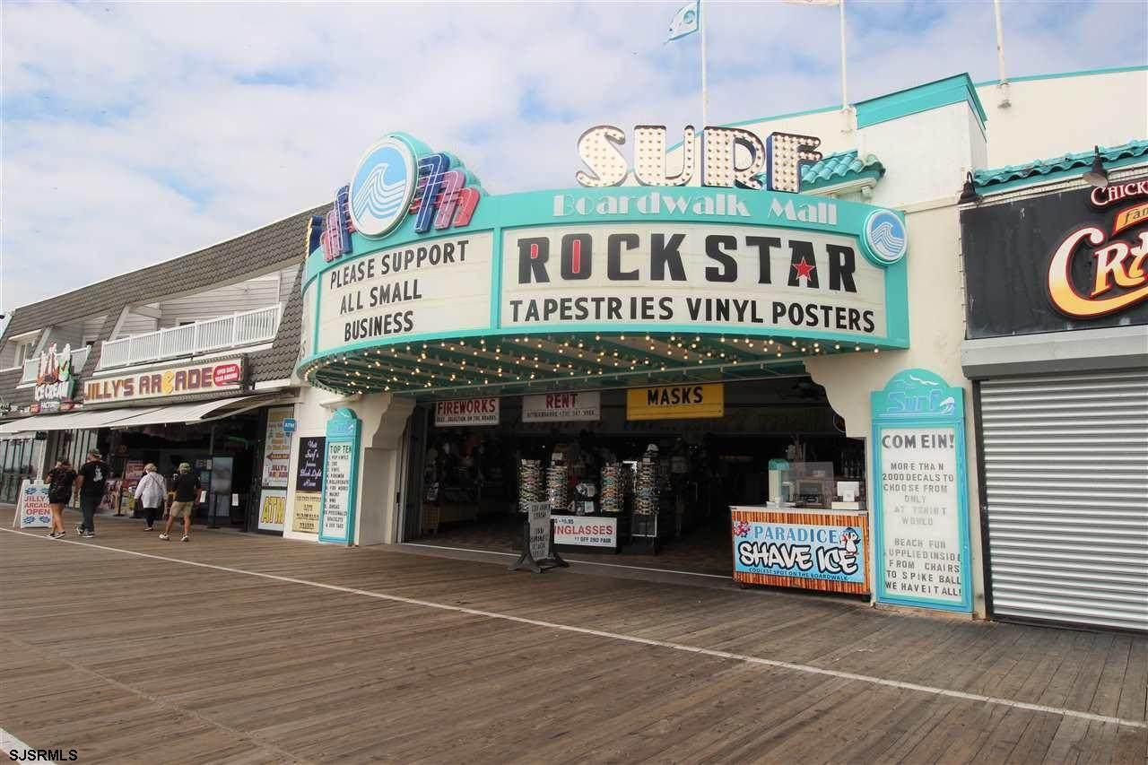 1154 Boardwalk - Photo 1
