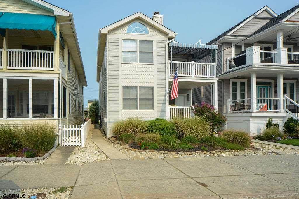 5346 Asbury Ave - Photo 1
