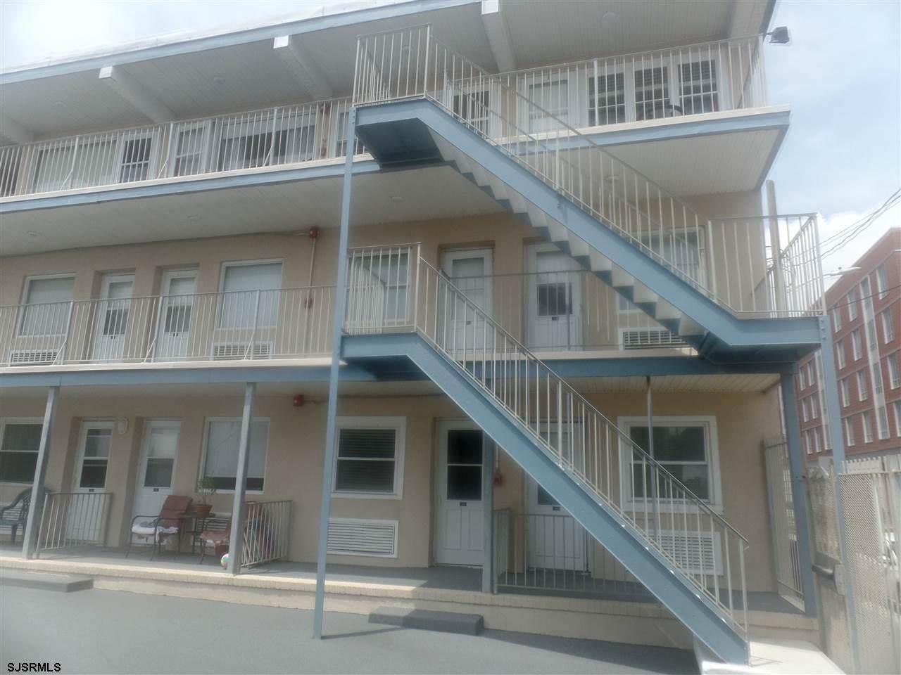 3801 Boardwalk - Photo 1