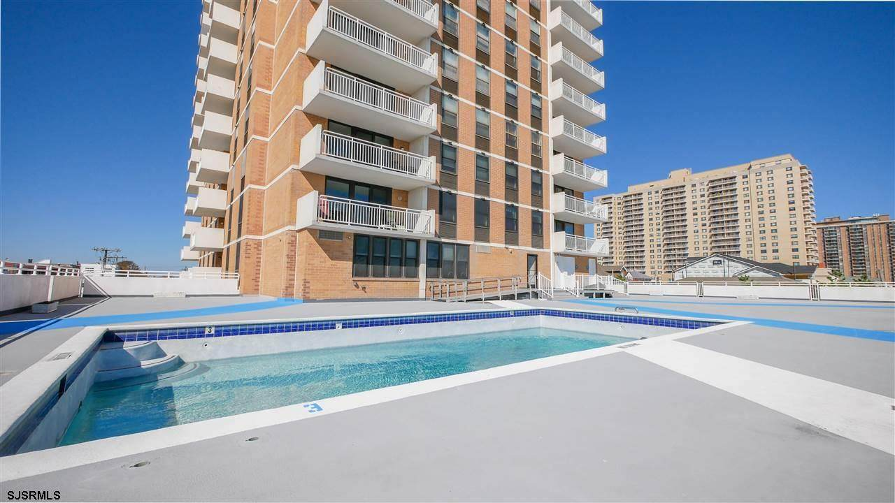 5200 Boardwalk - Photo 1