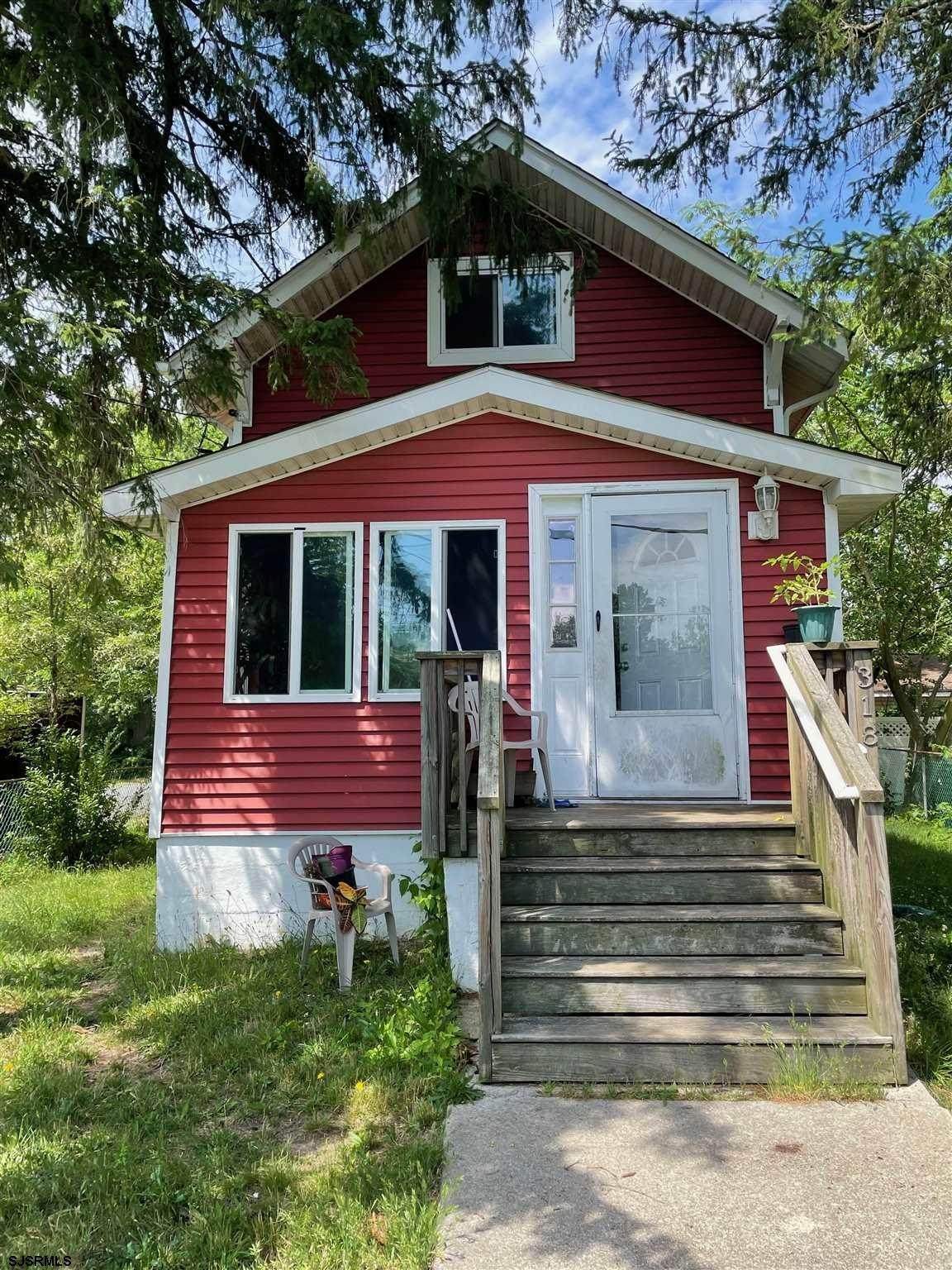 318 Bayview Ave - Photo 1