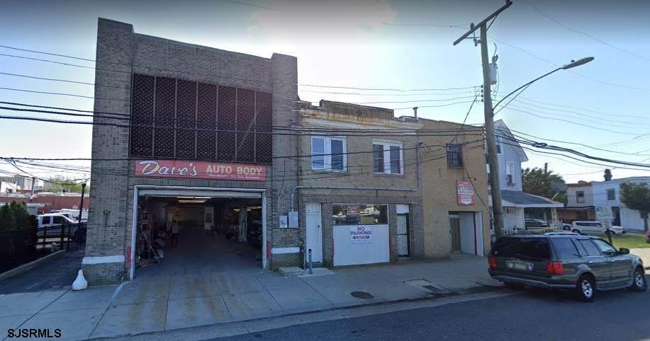 2318 Fairmount Ave - Photo 1