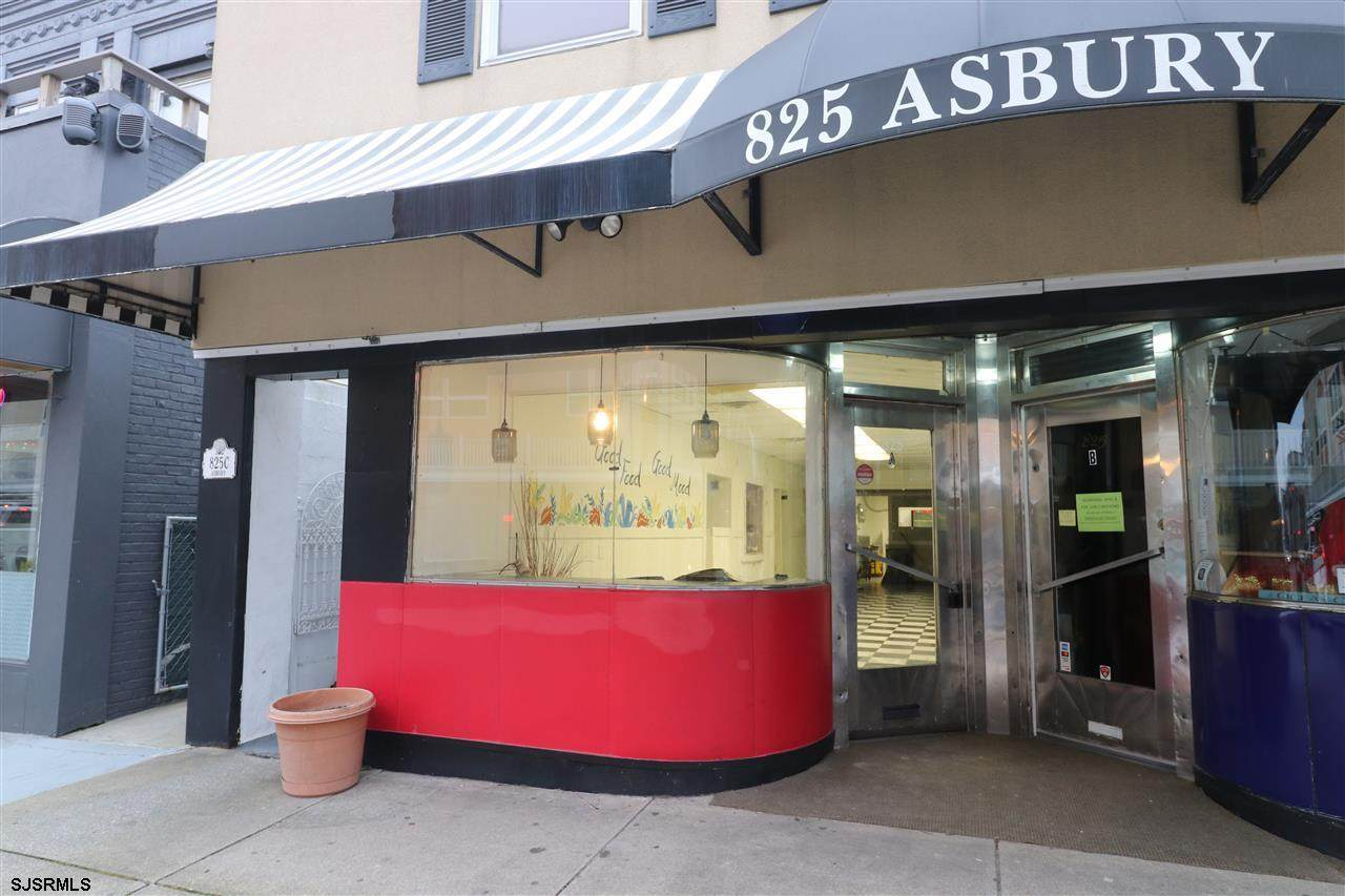 825 Asbury - Photo 1