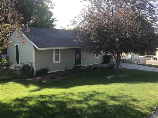 616 Gifford Avenue, American Falls, ID 83211 (MLS #2118937) :: The Perfect Home-Five Doors