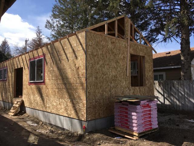 334 Lomax Street, Idaho Falls, ID 83401 (MLS #2120578) :: Team One Group Real Estate