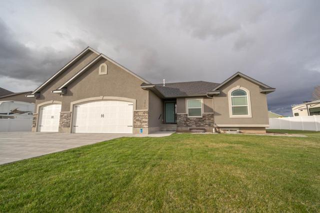 3236 Edwards Drive, Idaho Falls, ID 83401 (MLS #2121112) :: The Perfect Home