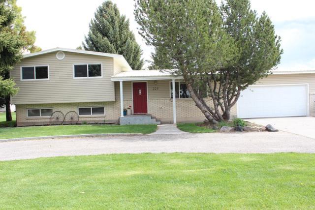 225 Amy Lane, Idaho Falls, ID 83406 (MLS #2121872) :: The Perfect Home