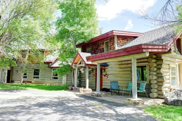 2633 W 3200 S, Rexburg, ID 83440 (MLS #2122666) :: The Perfect Home