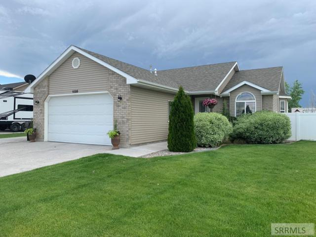 1525 N Avon Lane, Idaho Falls, ID 83401 (MLS #2122707) :: The Perfect Home